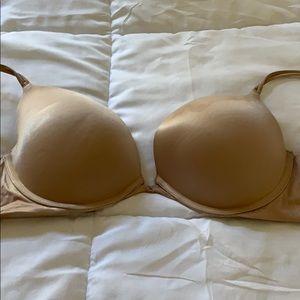 Victoria's Secret Very Sexy Push Up Bra 36C.